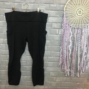 athleta // jet black yoga crops capri leggings 1x